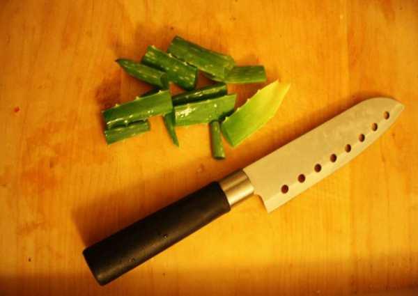 cut up the aloe vera into pieces